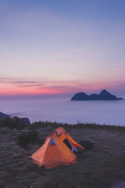 Nossa barraca ao amanhecer no Pico Itapiroca.